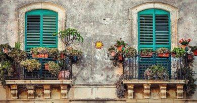 ozdoby na balkonie
